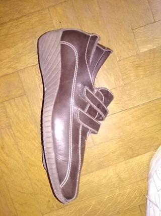 zapatos + 48 horas, marrones, dos velcro, talla 37