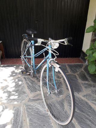 Bicicleta BH con luz dinamo, todas piezas original