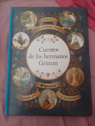 """LIBRO """"CUENTOS DE LOS HERMANOS GRIMM"""""""