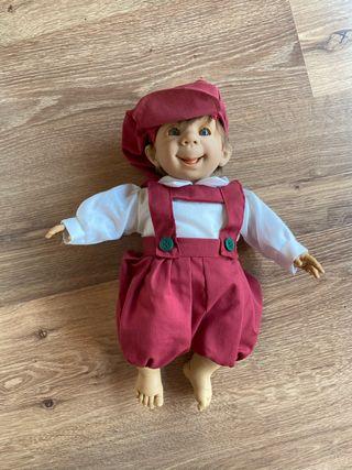 Muñeco antiguo en caja original