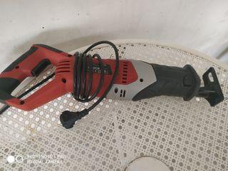 sierra sable eléctrica