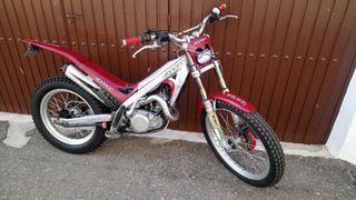moto de trial matriculada