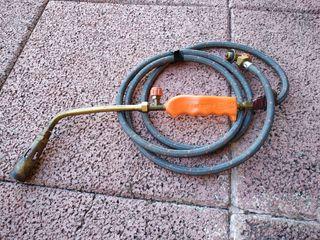Soplete con manguera de gas