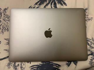 "MacBook Pro 13"" 2017, Four Thunderbolt 3 Ports"
