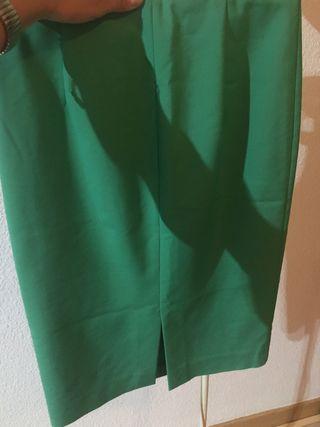 Falda verde tubo