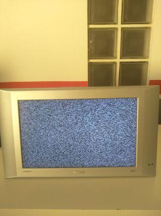 """Televisión plana 17""""con soporte pared"""