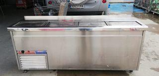 Botellero refrigerado Macfrin de cuatro puertas.