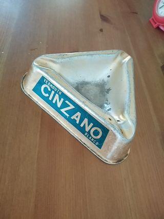 cenicero Cinzano antiguo
