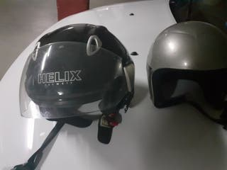 dos casco de moto uno des neño esta my bien