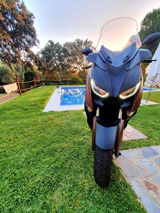 Yamaha Xmax 300. Öhlins