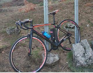 bici Cube en carbono de mujer talla s