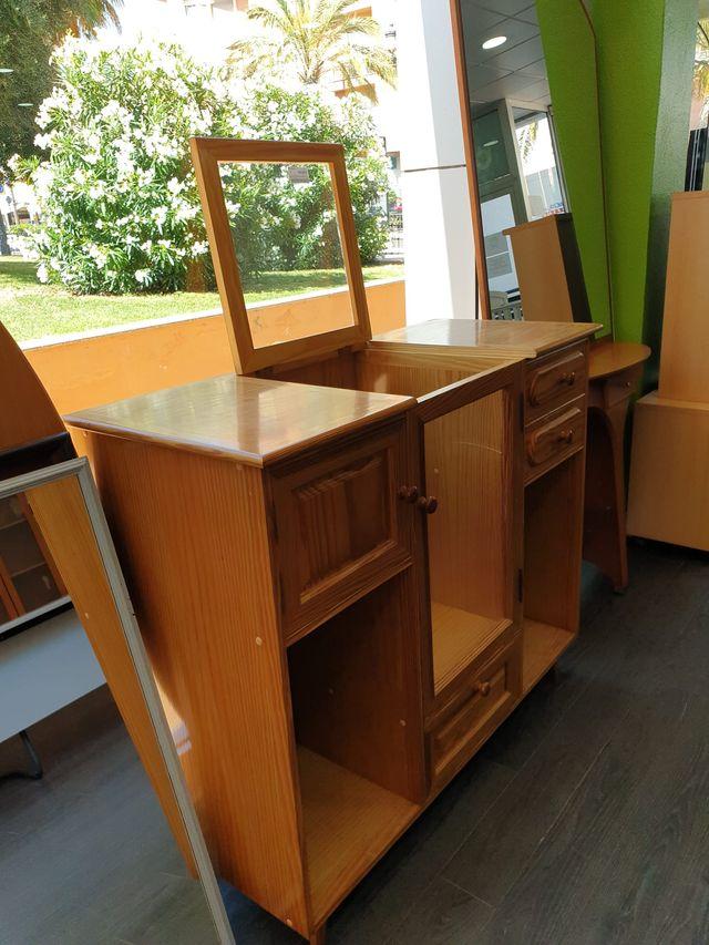 Se vende aparador de pino 65€!!!