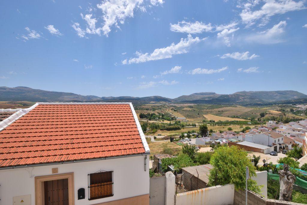 REF: 1339 Piso reformado con vistas a la Sierra (Ronda, Málaga)