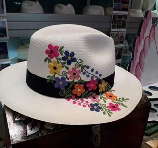 Sombrero Panama hats