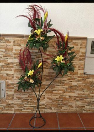 centro de flores de pie decorativo