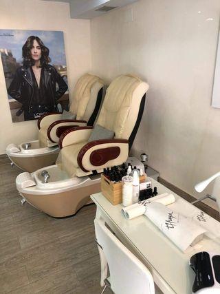 se traspasa centro de peluquería y estética