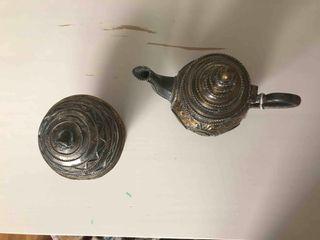 Conjunto de tetera y recipiente pastas anticuario