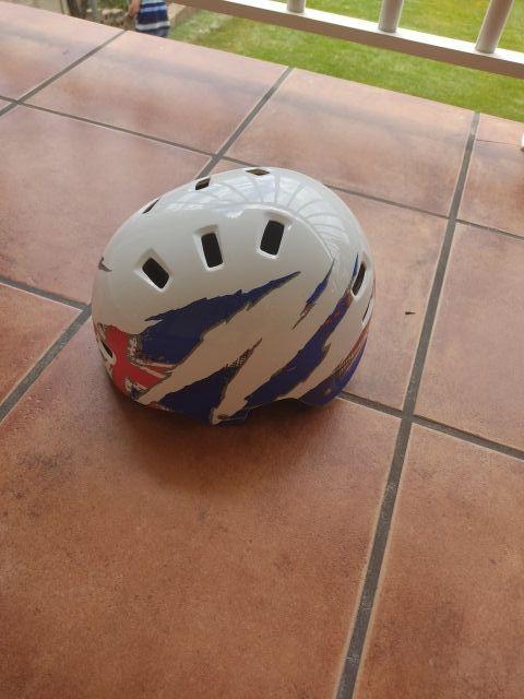 casco bicicleta, patines, patinete...