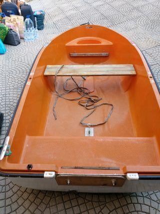 barca 2.40 cambio por kayak o vendo