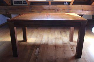 Mesa de madera maciza colonial + 6 sillas de cuero