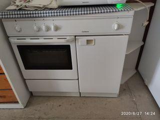 Cocina de gas butano y horno
