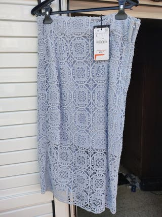 Falda bordada- crochet azul cielo