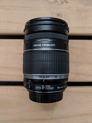Canon 18-200mm IS Funcional