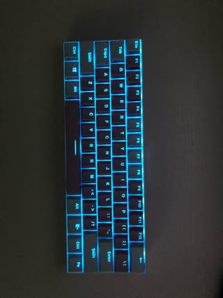 Royal kludge Bluetooth keyboard with keycaps