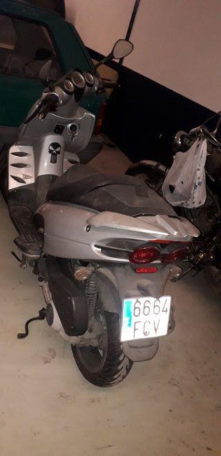 malaguti phantom 250cc