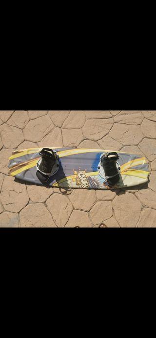 Tabla wakeboard CWB141 con fijaciones