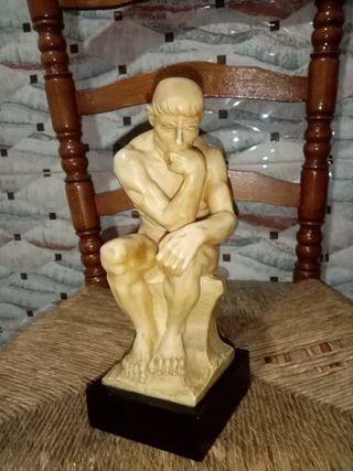 estatua de resina