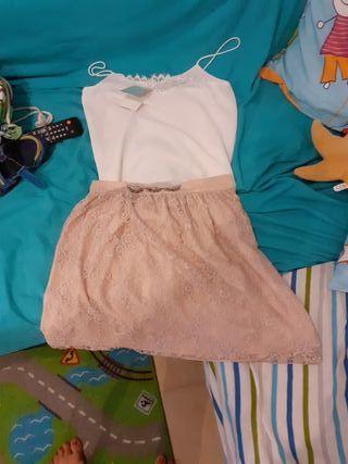 falda y camiseta tirantes vestir