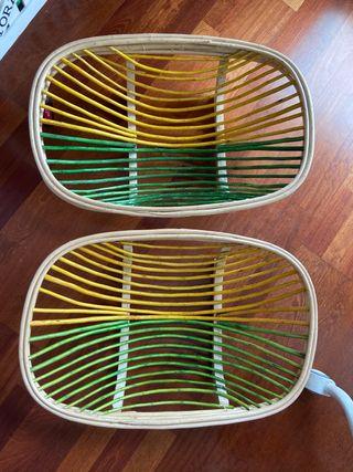Panier en osier vert et jaune