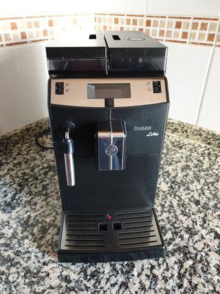 Cafetera expreso Saeco Lirika de segunda mano por 300 € en