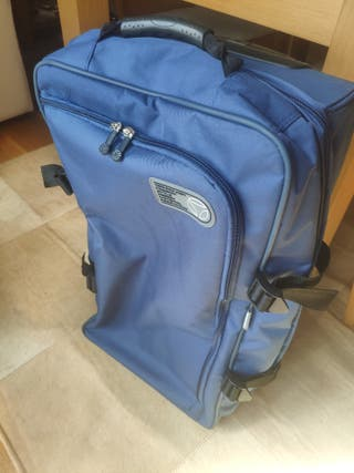 maleta blanda trolley con ruedas MOMO Design