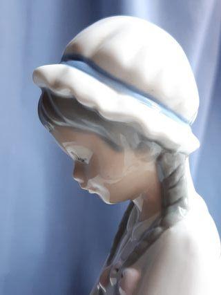 Figura de porcelana sello-marca Torralba