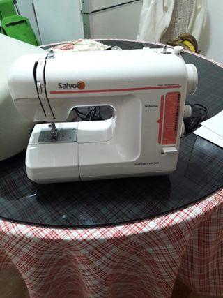 Máquina de coser SAIVOD