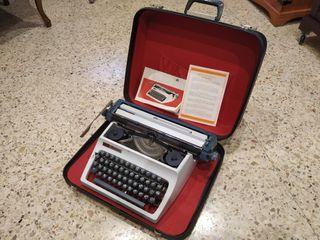 Maquina escribir en maletín antigua.