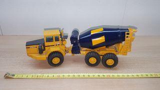 Camiones de juguete volvo a escala 1:50