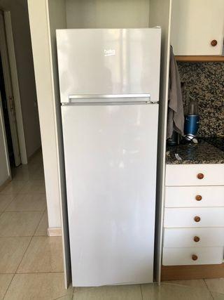 Nevera Beko frigorifico con 2 puertas (160x54cm)