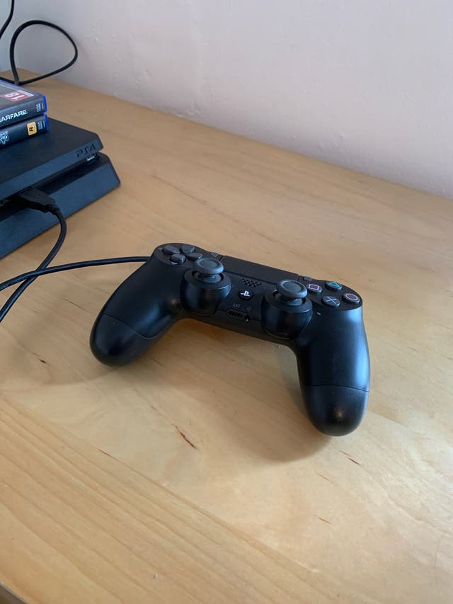 PS4 Slim 500gb with Cod Mw and Gta v