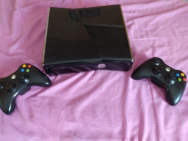 Xbox 360 con accesorios vendo o cambio