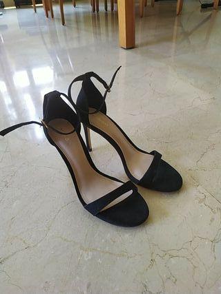sandalia tacón negra talla 39