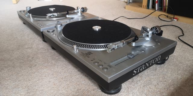 Stanton STR-8 80 Direct Drive Turntables