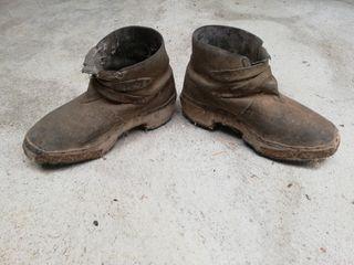 Zuecos/zapatos antiguos