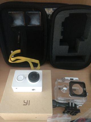 Xiaomi Yi Action + funda + accesorios