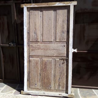 Puerta muy antigua