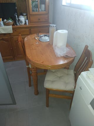 Mesa + 4 sillas madera pino naciza