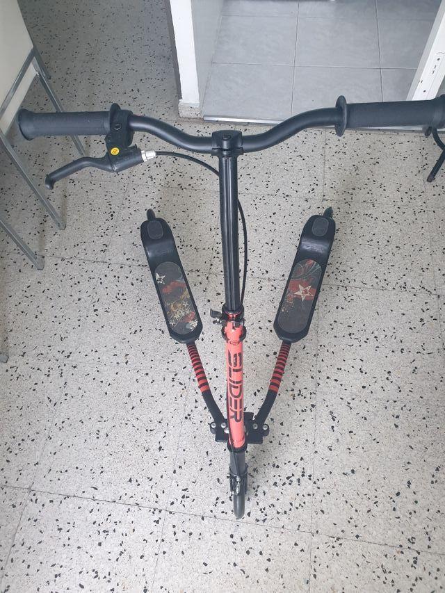 Patinete doble de 3 ruedas y freno