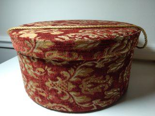 Sombrerera acabado tela de tapicería